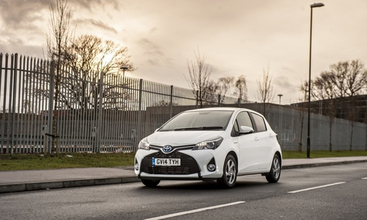 On-the-road-Toyota-Yaris-012