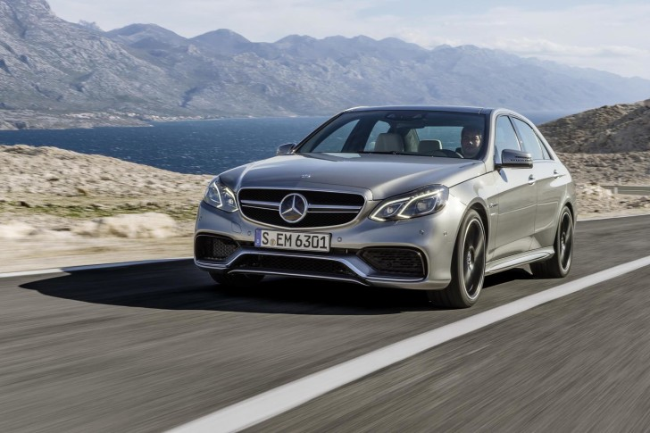 New-Mercedes-E63-AMG-Saloon-on-the-road