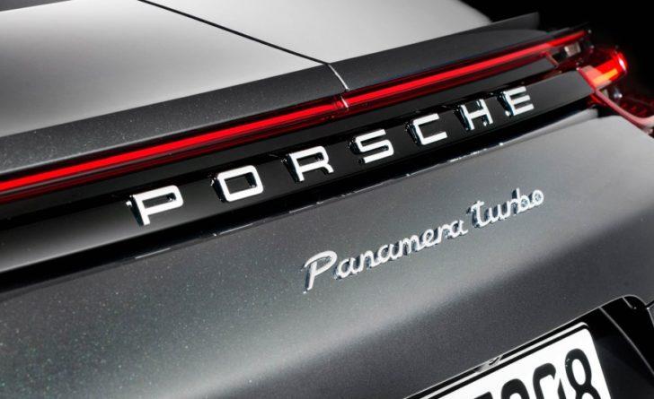 2017-Porsche-Panamera-Turbo-122-876x535