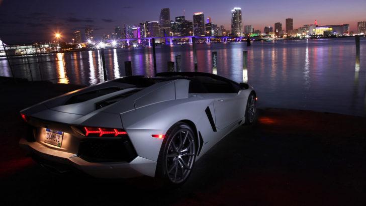 Excellent-Lamborghini-Aventador-LP700-4-Roadster-Wallpaper