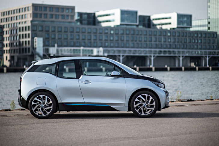 electric-car-bmw-i3-side-view1